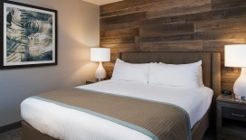At the end of a long day exploring South Lake Tahoe, curl up in your King Sized bed in the Deluxe One Bedroom Suite.