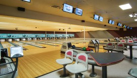 When was the last time that you went bowling on vacation? Try your luck at 10-pin bowling at Tahoe Bowl's 16 Lanes!