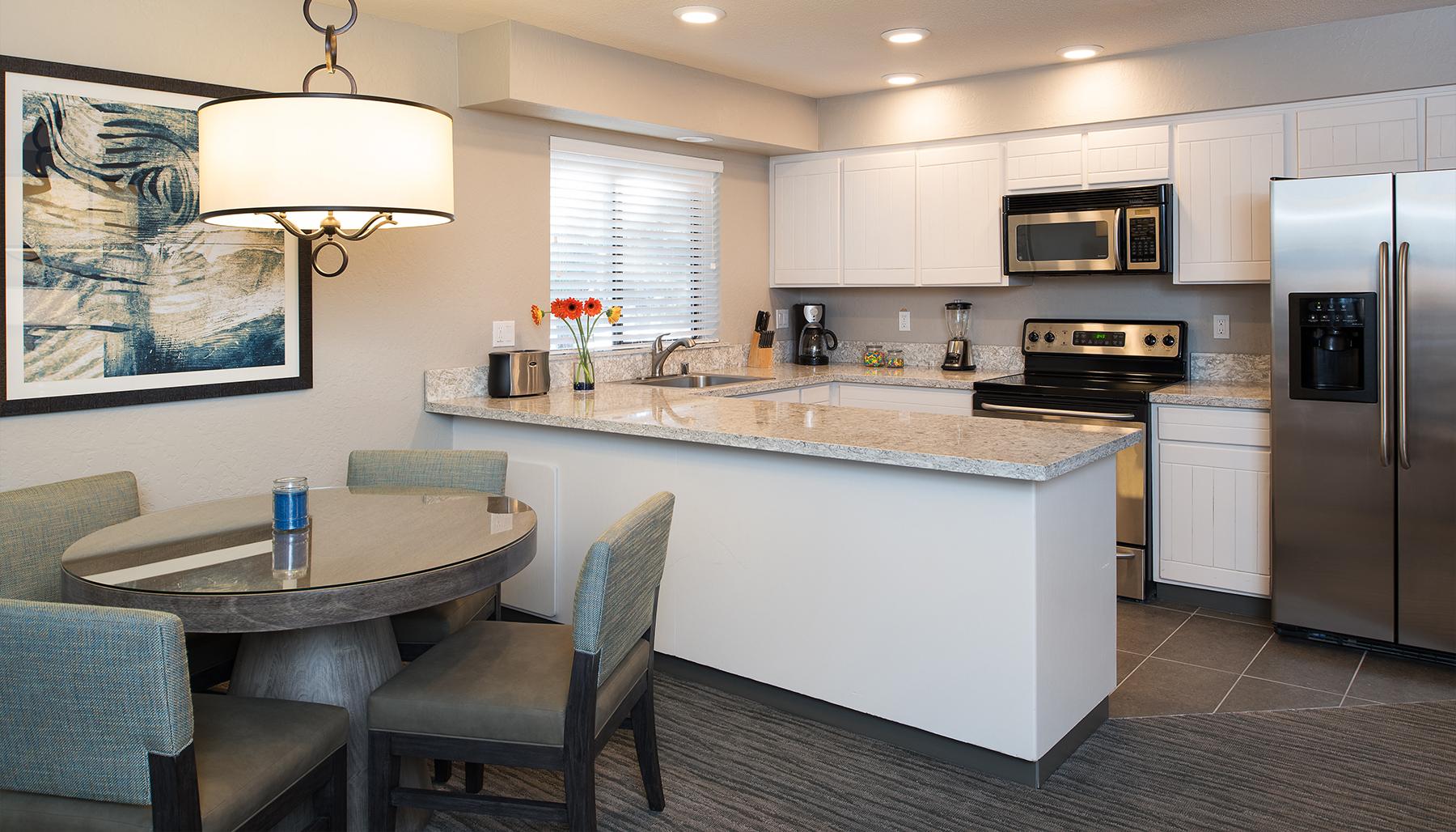 Deluxe Two Bedrooms Suite Kitchen ...